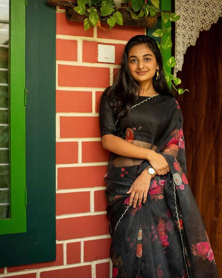 Esther Anil Images